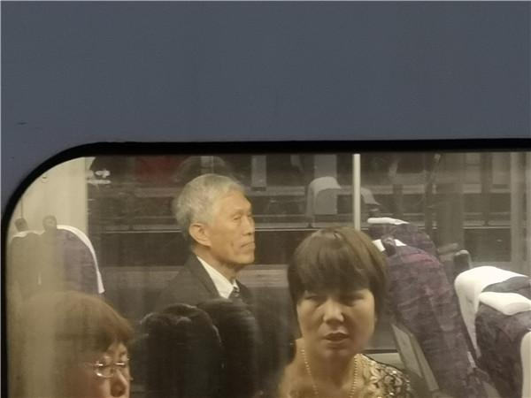田庆先在车上_副本.jpg